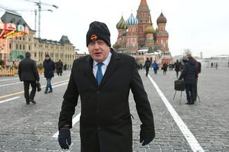 Министр иностранных дел Великобритании Борис Джонсон на Красной площади во время визита в Москву, 22 декабря 2017 года