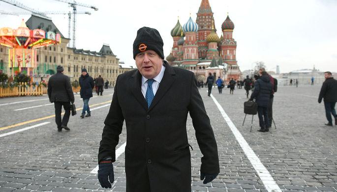 Министр иностранных дел Великобритании Борис Джонсон на Красной площади во время визита в Москву, 22...