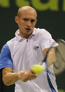 Николай Давыденко не смог выиграть в Дохе второй раз подряд