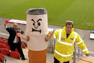 За курение на стадионах будут штрафовать на €500