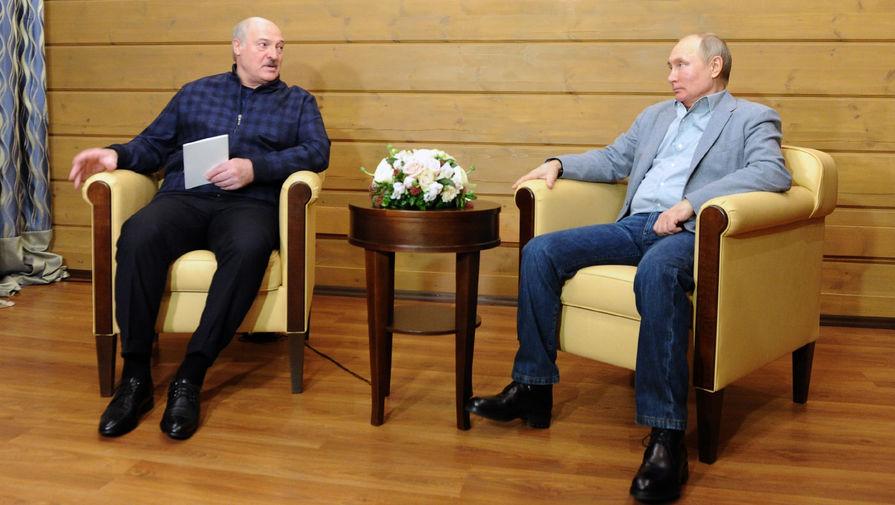 Президент России Владимир Путин и президент Белоруссии Александр Лукашенко во время встречи в Сочи, 22 февраля 2021 года
