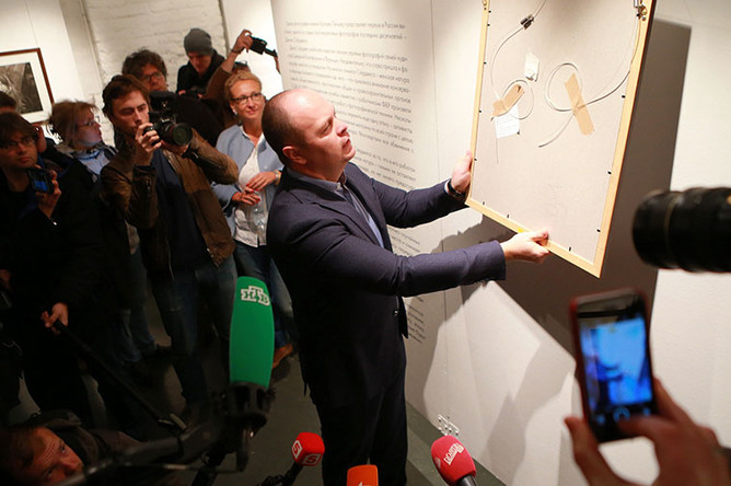 Глава комиссии по безопасности Общественной палаты Антон Цветков в Центре фотографии имени братьев Люмьер в Москве