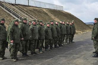 Военнослужащие вооруженных сил России во время учений ВДВ на полигоне Опук в Крыму, 20 марта 2017 года