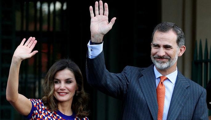Король Испании не мог выйти из самолета в течение часа после прибытия в Аргентину