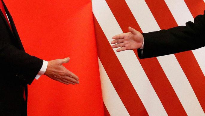 Вице-премьер Госсовета КНР Лю Хэ и президент США Дональд Трамп