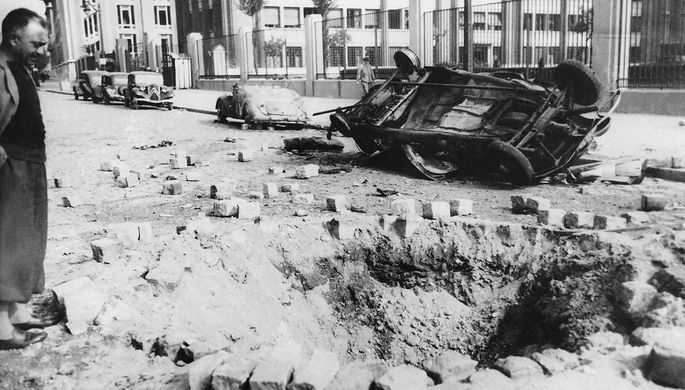 Последствия немецкой бомбардировки Парижа, 3 июня 1940 года