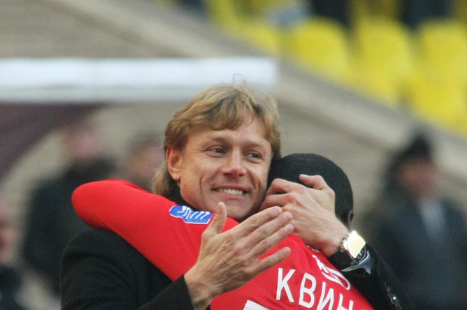 Карпин радуется голу Квинси в ворота «Локомотива» (3:0) в ЧР. 18.10.2009