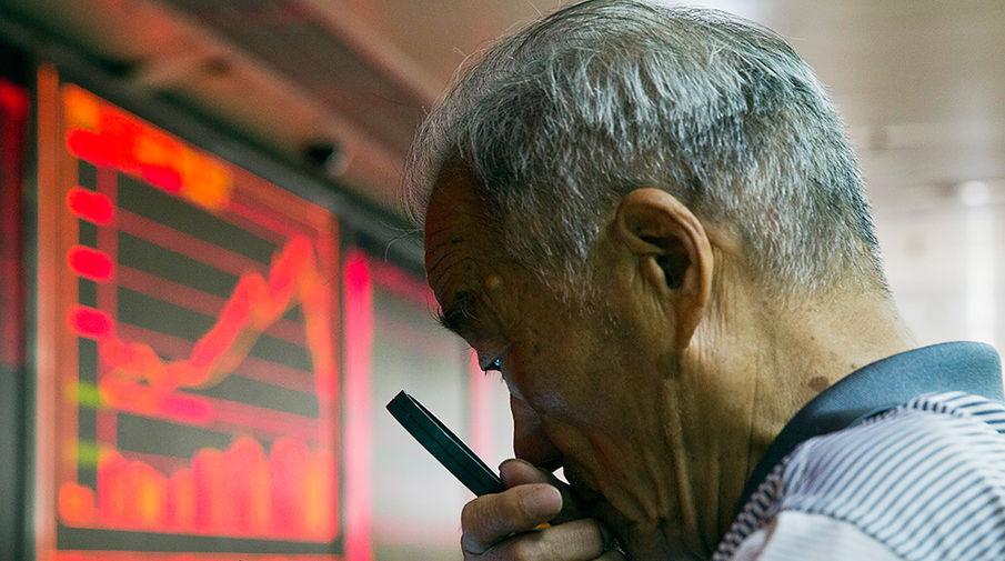 Китай сокращает экспорт смартфонов в Россию из-за санкций США