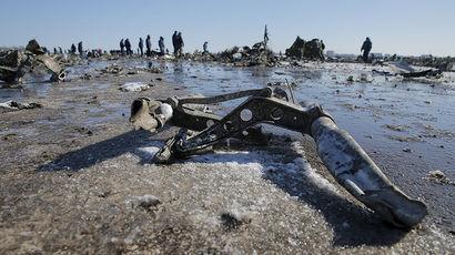 «Газета.Ru» выяснила, чем рискуют пилоты, уводя самолет на запасной аэродром