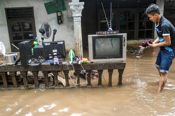 Последствия наводнения в Джакарте, 2 января 2020 года