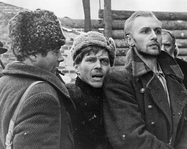 Борис Плотников и Владимир Гостюхин в фильме «Восхождение» (1976)