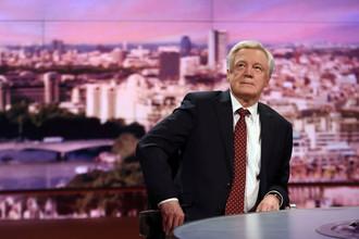 Министр Великобритании по Brexit Дэвид Дэвис в эфире телеканала BBC, Лондон, 12 марта 2017 года