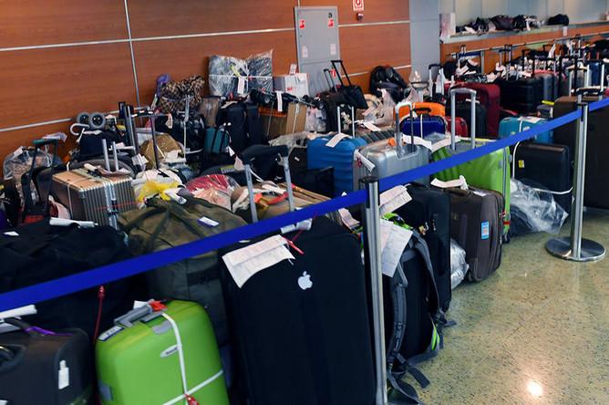 Багаж на пункте выдачи в Международном аэропорту «Шереметьево» в Москве