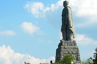 Монумент в память советских воинов-освободителей «Алеша» на Холме освобождения в Пловдиве