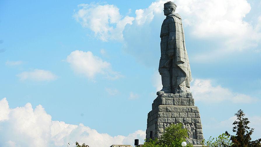 Советский солдат расколол Болгарию