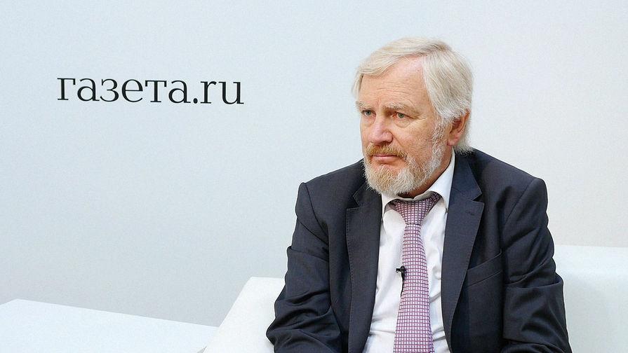Замглавы министерства финансов России Сергей Сторчак во время интервью на Петербургском международном экономическом форуме, 24 мая 2018 года