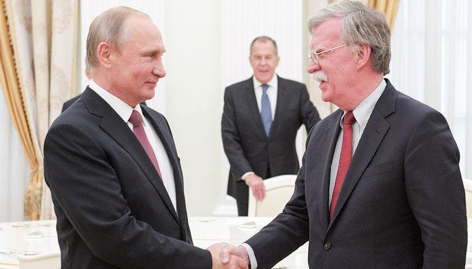 Президент России Владимир Путин, министр иностранных дел РФ Сергей Лавров и помощник президента США...
