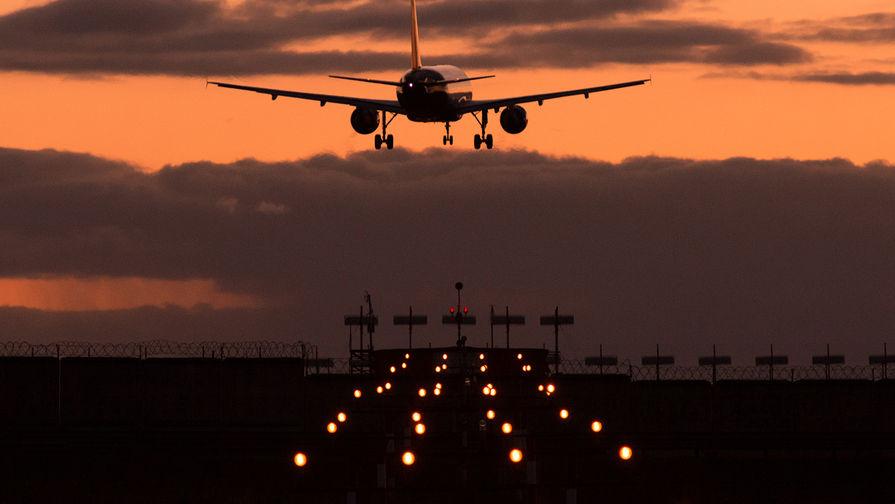 В аэропортах Москвы отменили и задержали более 30 рейсов