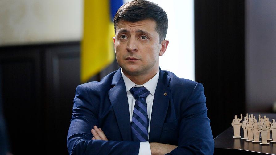Зеленский подписал закон о продаже земли на Украине