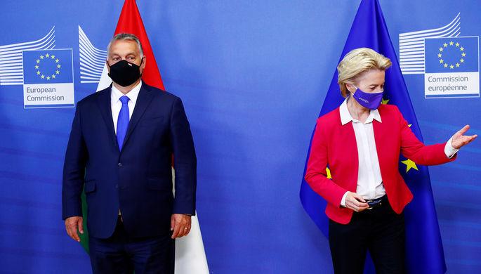 Премьер-министр Венгрии Виктор Орбан и председатель Европейской комиссии Урсула фон дер Ляйен во время встречи в Брюсселе, 24 сентября 2020 года