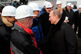 Рабочие любят Путина больше, чем вождя коммунистов Зюганова