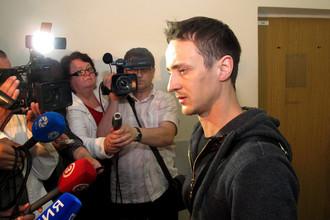 Деги Дудаев перед заседанием суда