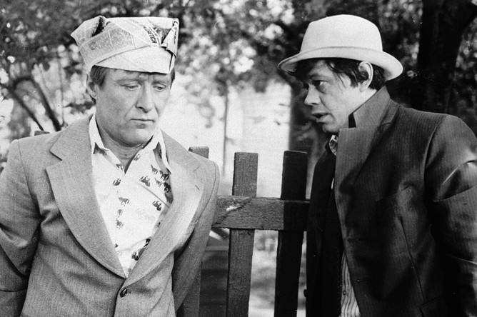 Геннадий Гарбук и Николай Караченцов в фильме «Белые росы» (1983)