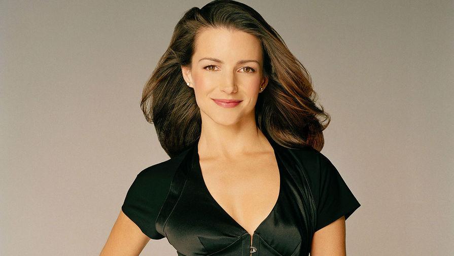 Кристин Дэвис в образе Шарлотты Йорк в сериале «Секс в большом городе» (1998 – 2004)