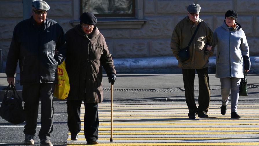 """Источник назвал """"бредом"""" сообщения о повышении пенсионного возраста"""
