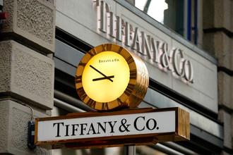 Бывшая вице-президент Tiffany осуждена за кражу украшений