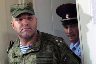 Начальник 242-го учебного центра ВДВ полковник Олег Пономарев (слева)