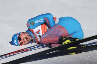 Устюгов стал вторым в масс-старте на этапе «Тур де Ски» после пяти побед кряду
