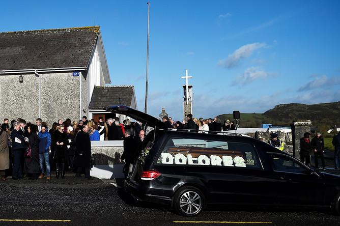 Похороны Долорес О'Риордан в Ирландии, 23 января 2017 года