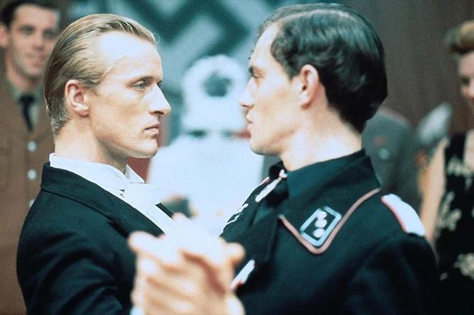 Кадр из фильма «Солдаты королевы» (1977)