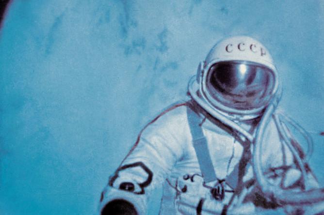 Кадр из документального фильма «В скафандре над планетой», 1965 год