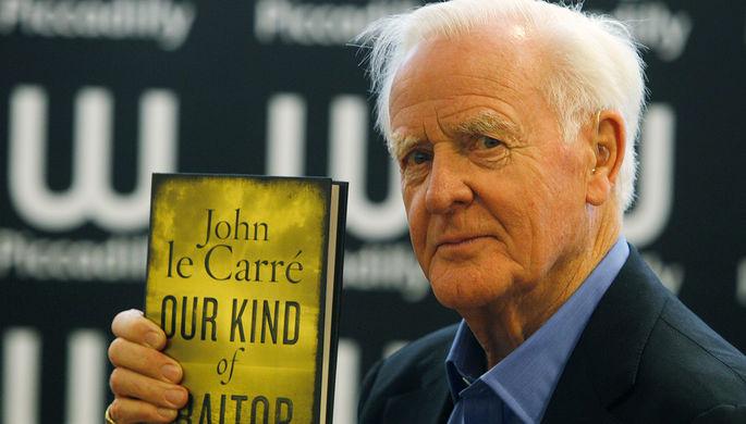 Джон Ле Карре на презентации книги «Такой же предатель, как и мы» в Лондоне, 2010 год