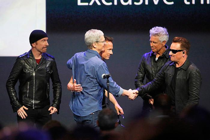 ����������� �������� Apple ��� ��� � ������ U2