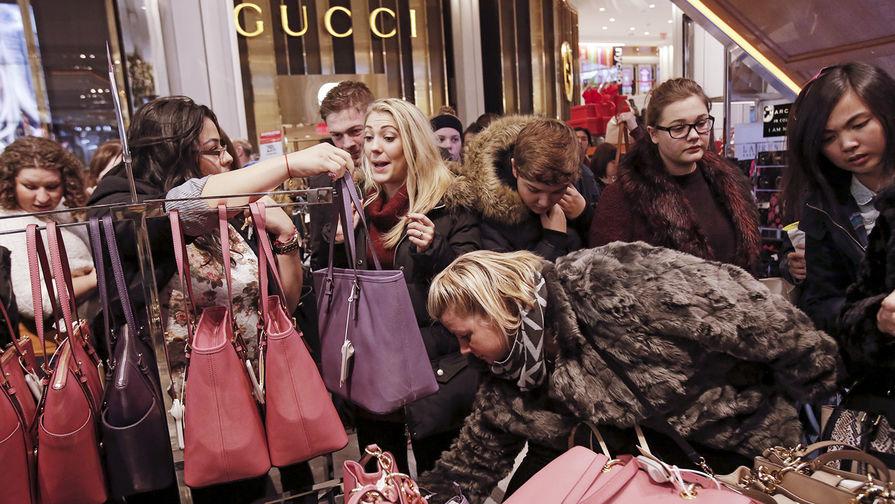 Владелец люксовых брендов Gucci и Yves Saint Laurent полностью отказался от меха