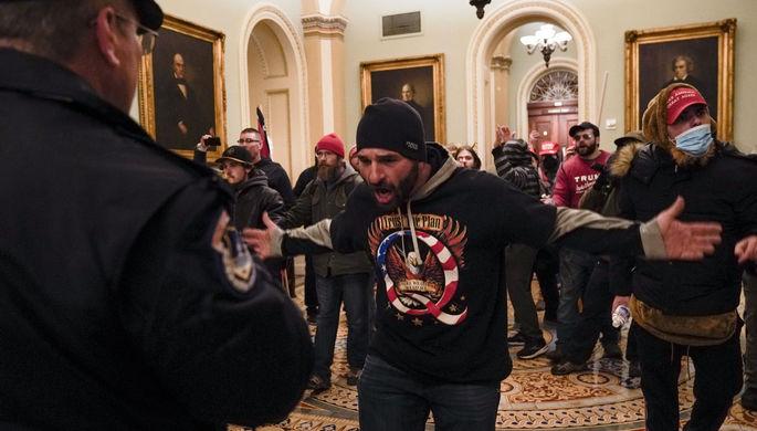 «СМИ стали инструментом политической борьбы»: МИД РФ прокомментировал беспорядки в США
