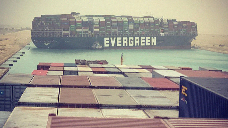 Потери от перекрытия Суэцкого канала достигли почти $10 млрд
