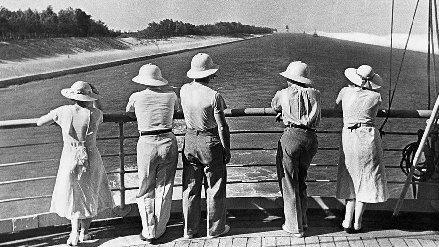 Вид с парохода, проходящего по Суэцкому каналу в 1935 году