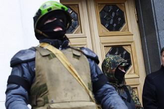 Арсен Аваков (справа) у здания Верховной Рады Украины