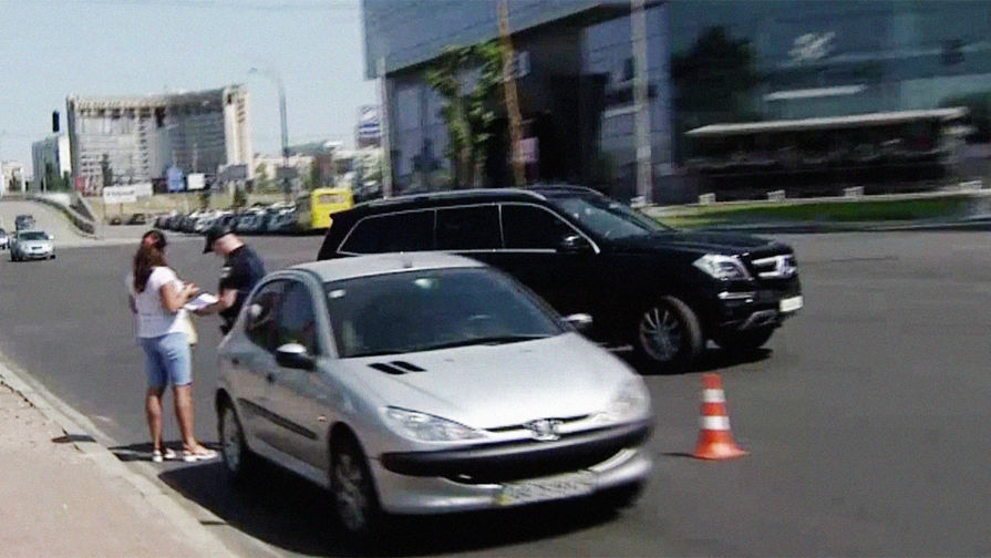 Помощник киевского митрополита устроил ДТП и сбежал с места аварии