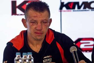 Томаш Адамек отметился вне ринга