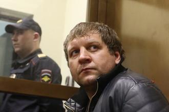 Бойцу Александру Емельяненко грозит до шести лет тюрьмы за изнасилование