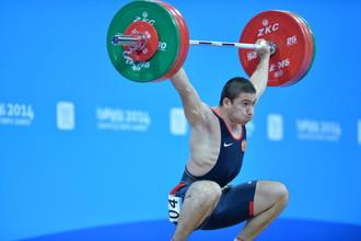 Хетаг Хугаев принес России золото Юношеской Олимпиады в тяжелой атлетике