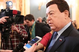 Первый зампредседателя комитета Госдумы по культуре Иосиф Кобзон в Кремле, 1 декабря 2016 года