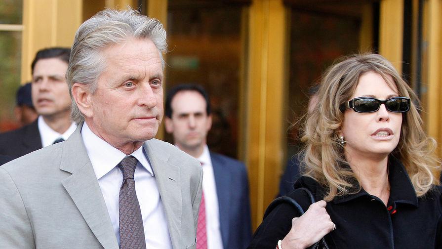 Майкл Дуглас и Диандра Дуглас. Брак продлился с 1977 по 2000 год. У пары есть сын Майкл Камерон...