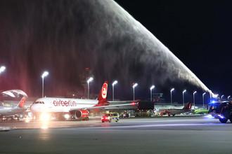 Самолет рейса AB6210 перед вылетом из аэропорта Мюнхена, 27 октября 2017 года