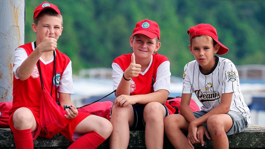 Продажи путевок в детские лагеря с кешбэком продлили до конца лета